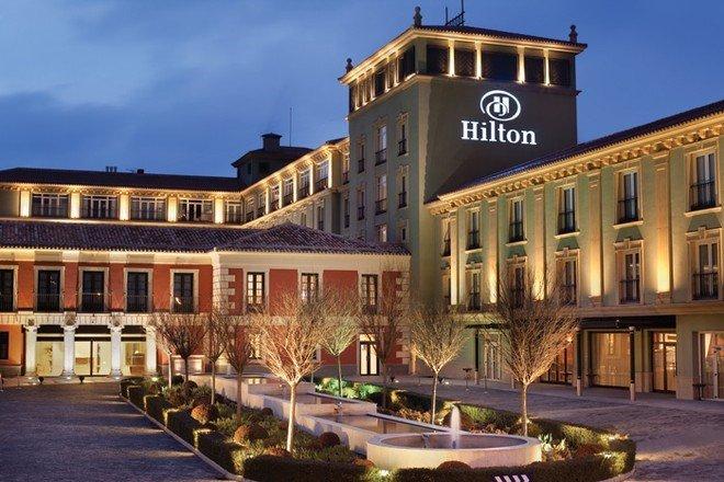 quản lý nhân sự chuỗi nhà hàng khách sạn